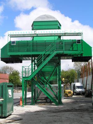 Nastro trasportatore per rifiuti ZC2114 verniciato verde con nastro reversibile.