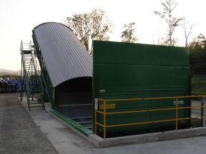 Nastro trasportatore per rifiuti ZC2114 infossato e con caricamento laterale.