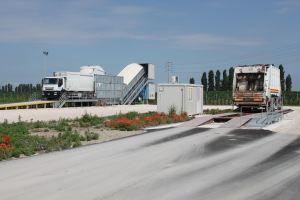 Nastro trasportatore per rifiuti ZC2114 stazione di trasferimento al lavoro.